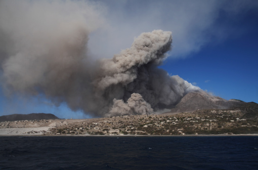 Active Volcano「February 1, 2010 - Soufriere Hills eruption, Montserrat Island, Caribbean.」:スマホ壁紙(7)