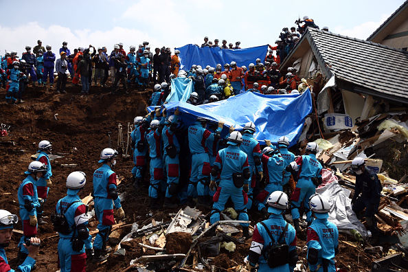 Japan「Rescue Operations Continue After Deadly Japan Earthquakes」:写真・画像(9)[壁紙.com]