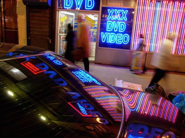 Adult「Sex Shops Return To Times Square」:写真・画像(1)[壁紙.com]