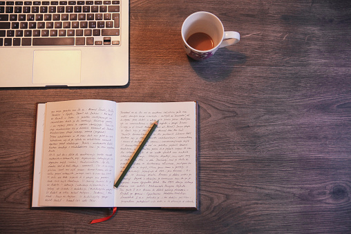 Single Word「Writing a diary」:スマホ壁紙(10)