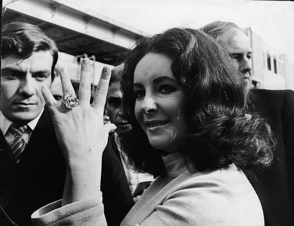 Ring - Jewelry「Elizabeth Taylor's Diamond Ring」:写真・画像(2)[壁紙.com]