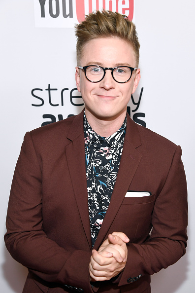 Frazer Harrison「The 6th Annual Streamy Awards Hosted By King Bach And Live Streamed On YouTube - Red Carpet」:写真・画像(3)[壁紙.com]
