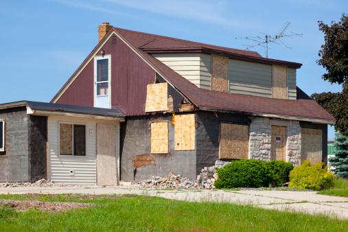 Hurricane - Storm「Damaged Destroyed Boarded-Up Abandoned House」:スマホ壁紙(18)