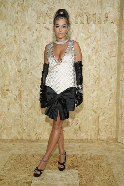 Tied Bow「Miu Miu : Outside Arrivals -  Paris Fashion Week - Womenswear Spring Summer 2020」:写真・画像(11)[壁紙.com]