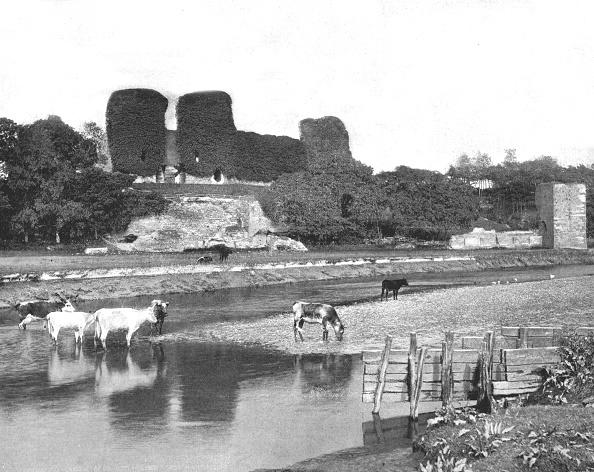 Recreational Pursuit「Rhuddlan Castle」:写真・画像(3)[壁紙.com]