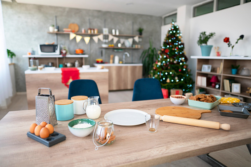 Domestic Kitchen「Christmas Preparation Starts In The Kitchen」:スマホ壁紙(17)