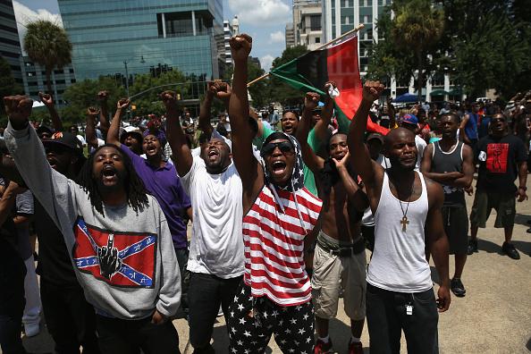 John Moore「Ku Klux Klan Holds Rally Outside South Carolina Statehouse」:写真・画像(19)[壁紙.com]