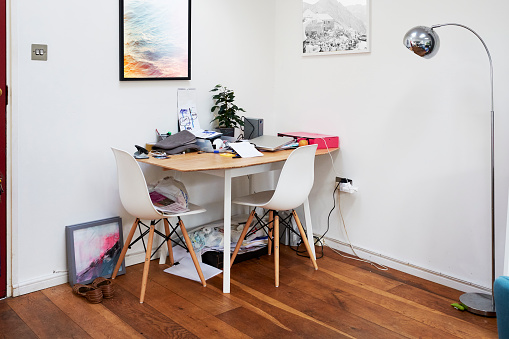 Chaos「Untidy work desk」:スマホ壁紙(0)