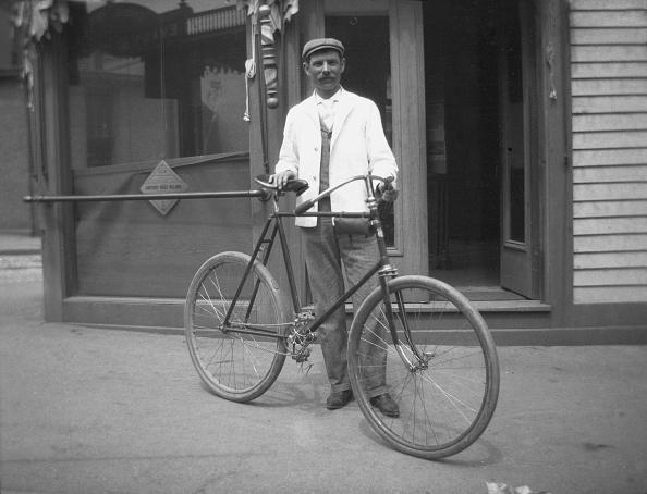 1900「Boston Barber By Shopfront」:写真・画像(4)[壁紙.com]