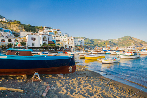 Tyrrhenian Sea「Sant'Angelo, the port and the village」:スマホ壁紙(8)