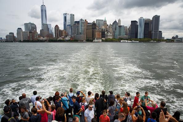 Tourism「Symbols Of Immigration: NYC's Statue Of Liberty And Ellis Island」:写真・画像(0)[壁紙.com]