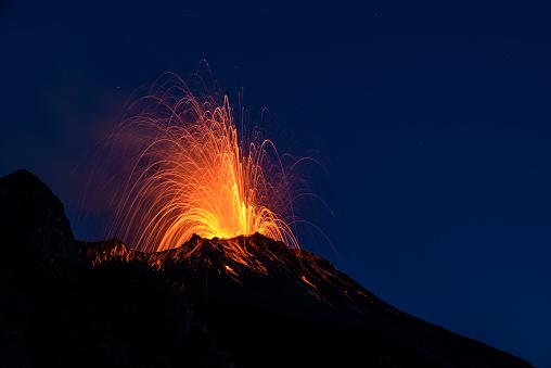 Active Volcano「Eruption」:スマホ壁紙(8)