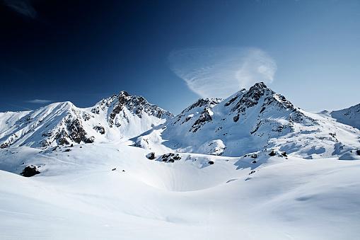 Mountain Peak「Austria, Tyrol, Ischgl, winter landscape in the mountains」:スマホ壁紙(8)
