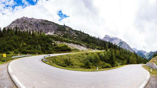 Mountain Road「Austria, Tyrol, Mountain pass to Hahntennjoch」:スマホ壁紙(17)