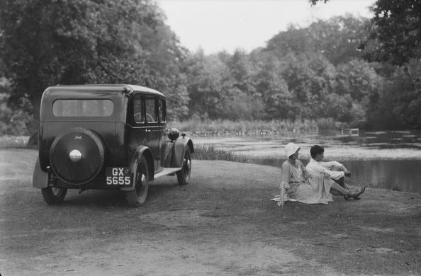 Grass Family「Woman And Boy Beside Motorcar」:写真・画像(17)[壁紙.com]
