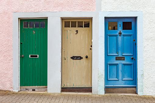 St「Scotland, Fife, St. Monans, hree different doors」:スマホ壁紙(11)