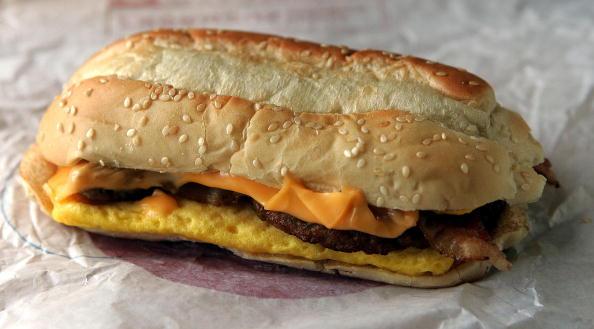 "Unhealthy Eating「Burger King Introduces New ""Enormous"" Sandwich」:写真・画像(6)[壁紙.com]"
