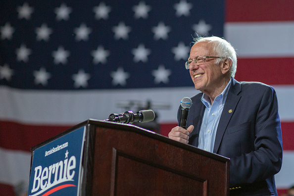 Super Tuesday「Presidential Candidate Bernie Sanders Campaigns Across U.S. Ahead Of Super Tuesday」:写真・画像(12)[壁紙.com]