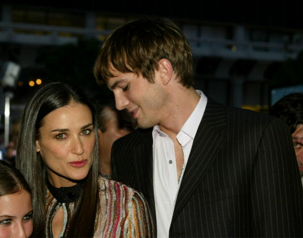 Charlie's Angels「Demi Moore and Ashton Kutcher」:写真・画像(9)[壁紙.com]