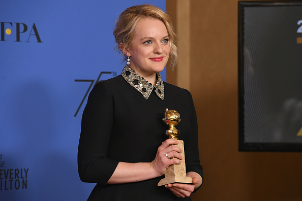 Golden Globe Award trophy「75th Annual Golden Globe Awards - Press Room」:写真・画像(18)[壁紙.com]