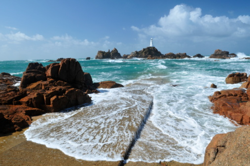 Jersey - England「Corbiere Lighthouse, Jersey as seen from the rocky shore」:スマホ壁紙(9)
