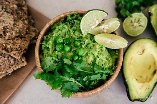 Green Pea「Guacomole with peas, avocado, lime, coriander and crisp bread」:スマホ壁紙(16)
