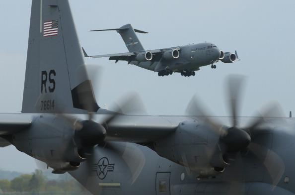USAF「U.S. Infantry Troops Arrive In Poland For Exercises」:写真・画像(3)[壁紙.com]