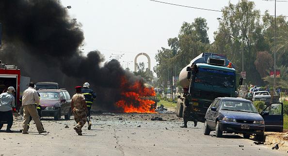 Exploding「Suicide Car Bomb Kills 11 in Baghdad」:写真・画像(13)[壁紙.com]