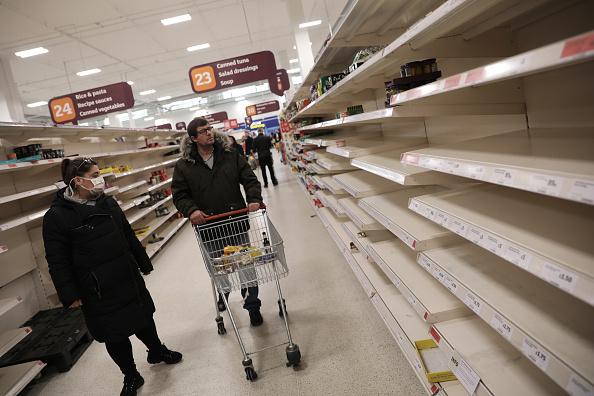 Supermarket「The UK Adjusts To Life Under The Coronavirus Pandemic」:写真・画像(18)[壁紙.com]