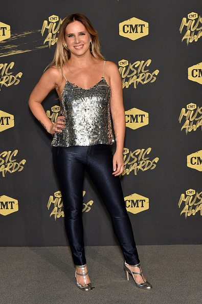 Metallic Shoe「2018 CMT Music Awards - Arrivals」:写真・画像(14)[壁紙.com]