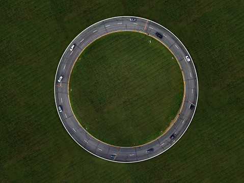 Driving「Photo manipulated traffic circle w no exit」:スマホ壁紙(4)