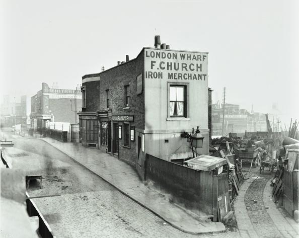 Cobblestone「Scrapyard By Cat And Mutton Bridge, Shoreditch, London, January 1903」:写真・画像(10)[壁紙.com]