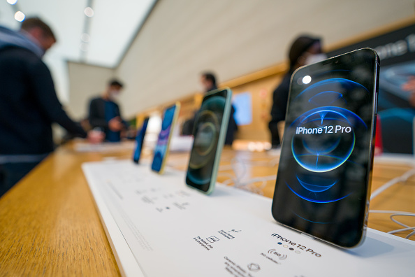 Smart Phone「Apple Releases iPhone 12 and iPhone 12 Pro」:写真・画像(11)[壁紙.com]