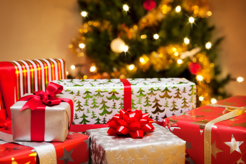 Wrapping Paper「Group of Christmas gifts in front of tree.」:スマホ壁紙(19)