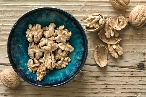 Nut - Food「Bowl of walnut halves」:スマホ壁紙(7)