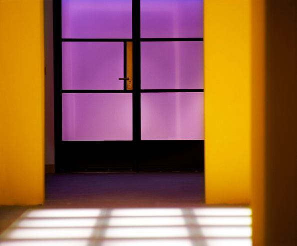 Vibrant Color「modern interior showing underfloor lighing.」:写真・画像(6)[壁紙.com]
