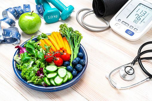Medical Insurance「Health concept: healthy eating and exercising for optimal heart health.」:スマホ壁紙(11)