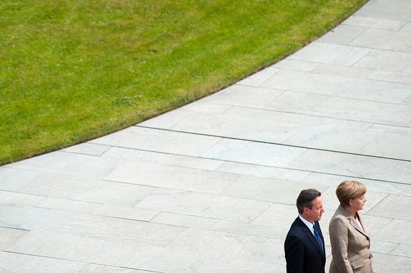 Stringer「David Cameron Meets With Angela Merkel In Berlin」:写真・画像(16)[壁紙.com]