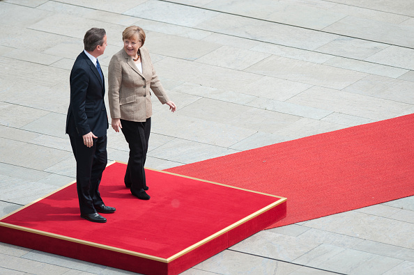 Stringer「David Cameron Meets With Angela Merkel In Berlin」:写真・画像(13)[壁紙.com]