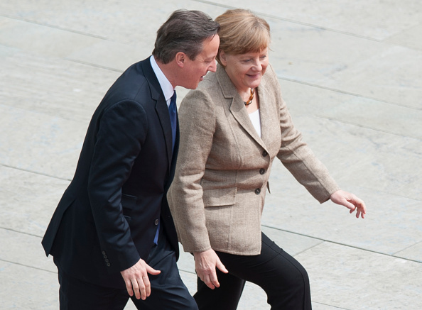 Stringer「David Cameron Meets With Angela Merkel In Berlin」:写真・画像(14)[壁紙.com]