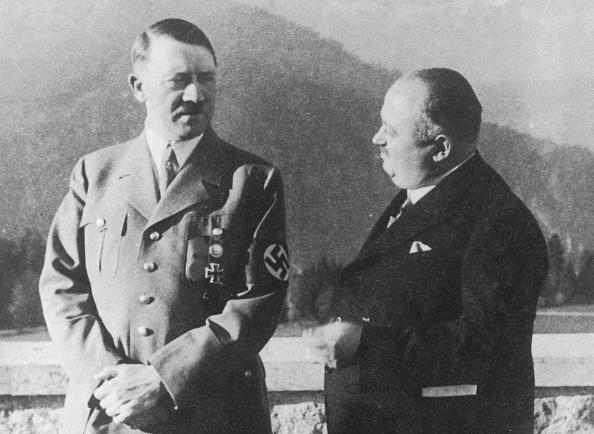 Mountain Range「Hitler's Butler」:写真・画像(9)[壁紙.com]