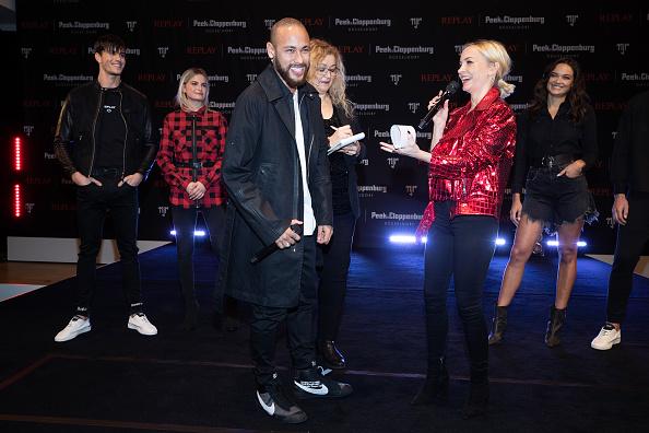 ネイマール「Capsule Collection Neymar Jr. X Replay At Weltstadthaus Duesseldorf」:写真・画像(14)[壁紙.com]