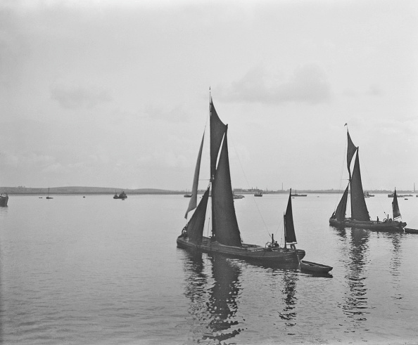 Medway River「Thames Barges At Sheerness Kent」:写真・画像(1)[壁紙.com]