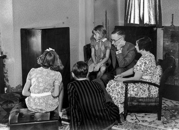 Listening「Family Wireless」:写真・画像(6)[壁紙.com]