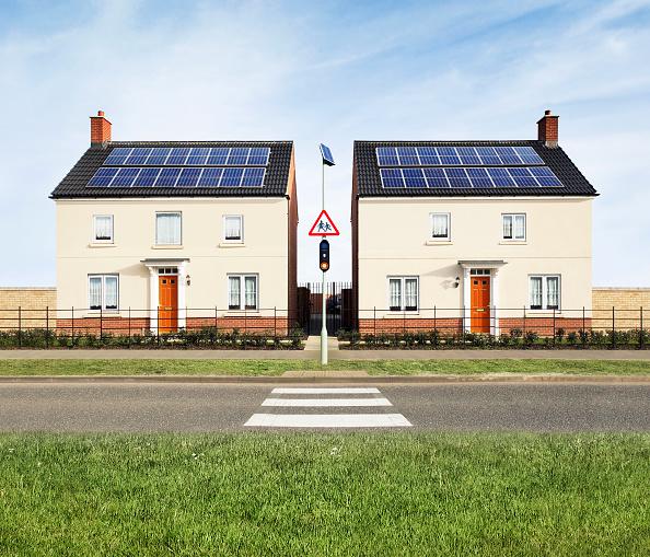 Solar Energy「Detached eco-houses in eco-town (digital composite)」:写真・画像(19)[壁紙.com]