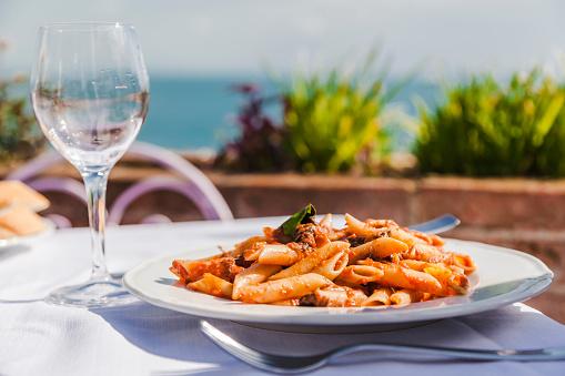 Tomato Sauce「Italy, Atrani, plate of Penne Rigate with tomato sauce and tuna」:スマホ壁紙(3)