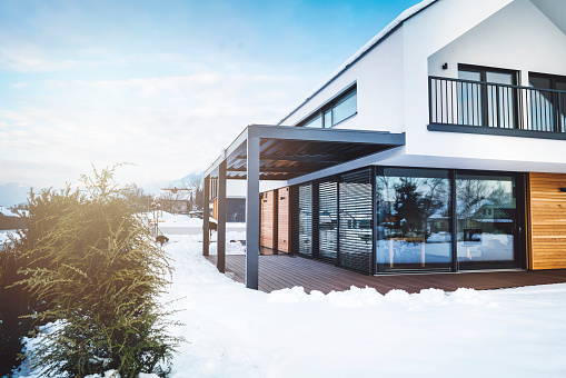 Deck Chair「Contemporary home in winter time」:スマホ壁紙(12)