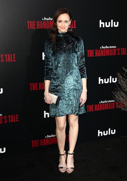"Mann Theaters「Premiere Of Hulu's ""The Handmaid's Tale"" Season 2 - Red Carpet」:写真・画像(12)[壁紙.com]"