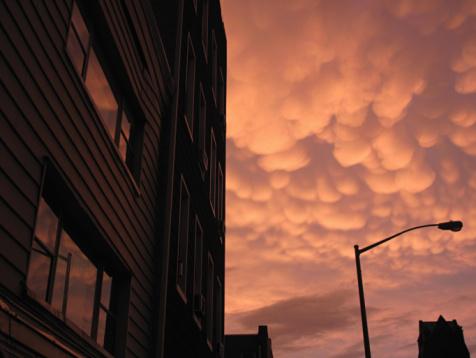 Mammatus Cloud「pink orange clouds after sunset on a 」:スマホ壁紙(13)