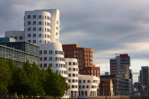 Postmodern「Frank Gehry's Neuer Zollhof building complex」:スマホ壁紙(11)